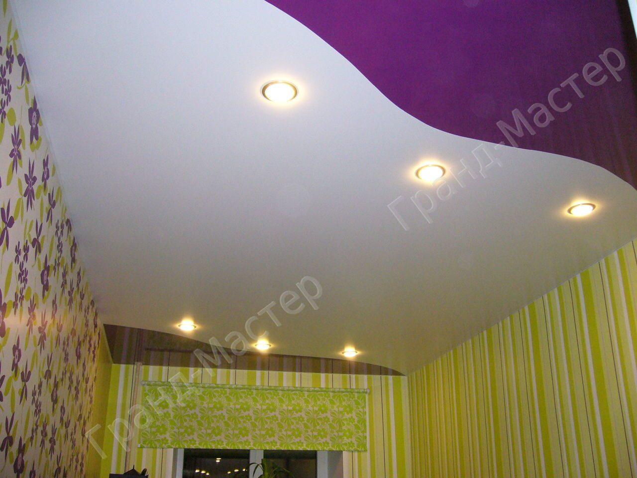 Потолок двух цветов фото